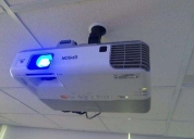 Instalación y soporte técnico de proyectores