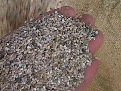 Arena y piedra para instalación de filtros de agua