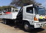 Hino 500 fm 1726 año 2009  camión-grúa