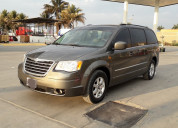 Chrysler town & country limited fwd, año 2010